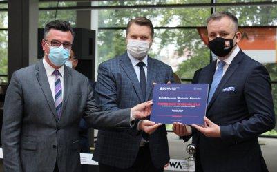 Zaskakująca i krótka wizyta ministra Czarnka w Piotrkowie