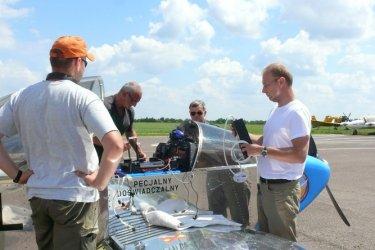 Centrum Badań Kosmicznych testuje swoje projekty na piotrkowskim lotnisku