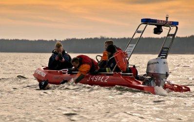 Ćwiczenia służb ratowniczych na zbiorniku Cieszanowice