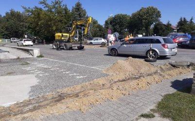 Ruszyły prace na parkingu przed szpitalem