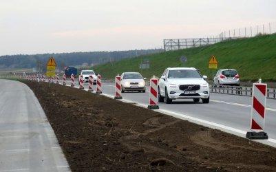 A1 między Piotrkowem a Tuszynem na finiszu