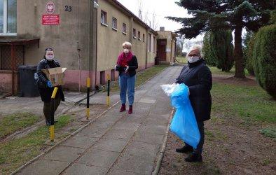 Samorządowcy ufundowali maseczki i rękawiczki dla pracowników GOPS-u i GZOZ-u