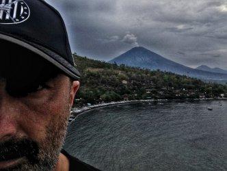 Piotrkowianin ucieka z Bali