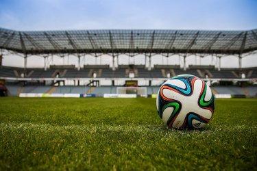 Wpływ sponsorów na poziom Ekstraklasy