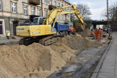 Postępują prace na ul. Wojska Polskiego w Piotrkowie
