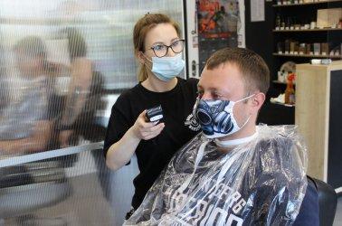 Salony fryzjerskie znowu otwarte