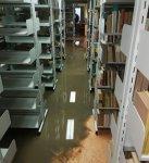 Zalało bibliotekę w Moszczenicy