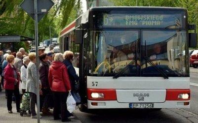 Od poniedziałku dwa sposoby liczenia maksymalnej liczby pasażerów w transporcie