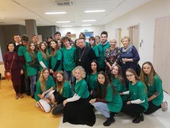 Ksiądz arcybiskup Grzegorz Ryś odwiedził Szpital Onkologiczny w Tomaszowie