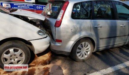 Osiem osób rannych w wypadku na krajowej