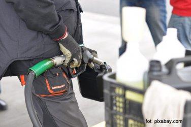 Nie będzie podwyżki cen paliw. Poseł PiS wyjaśnia, dlaczego