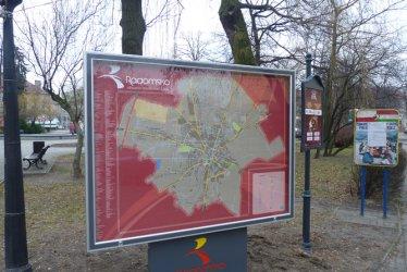 Radomsko: Tablice z planem miasta