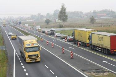 Radni chcą pieniędzy na remont lokalnych dróg