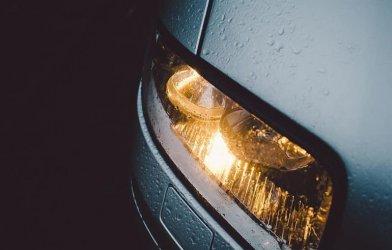 Sprawdź ustawienie świateł w samochodzie! Policja i piotrkowski WORD zapraszają