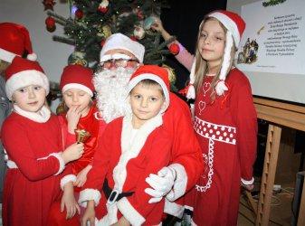Mikołaj odwiedził dzieci z Ośrodka Edukacji Artystycznej MOK