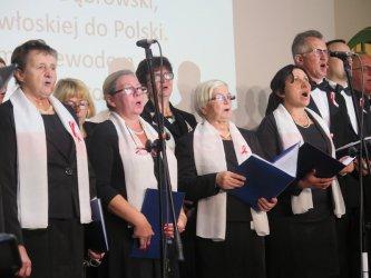 Patriotyczne pieśni rozbrzmiewały w Centrum Idei ku Demokracji