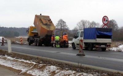 Będą naprawiać starąnawierzchnię na A1 między Piotrkowem a Kamieńskiem