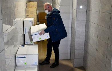 Prezydent przekazał pomoc dla piotrkowskich szpitali