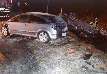 W Borkach w powiecie radomszczańskim zapaliły się dwa auta osobowe