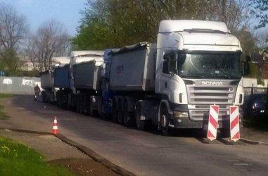 Ciężarówki utrudniają życie piotrkowianom z ul. Południowej