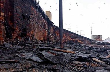 Doszczętnie spłonął dach kamienicy przy Słowackiego