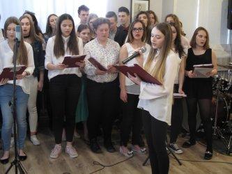 II LO w Piotrkowie zaprezentowało się przed gimnazjalistami
