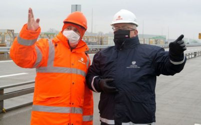 Minister Adamczyk chwali tempo prac na A1