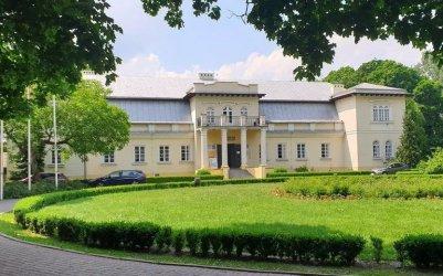 Odkrywamy znane i nieznane - Dwór Olszewskich w Bełchatowie