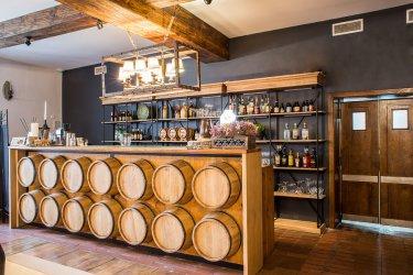 Otwarcie restauracji Miód i Wino w Sulejowie - koncert Mateusza Żerka