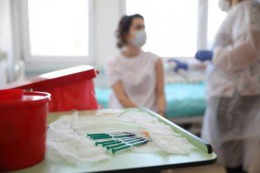 Naukowcy z Poznania badają nastawienie Polaków do różnych szczepionek przeciw COVID-19