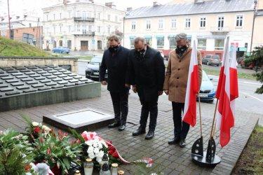 Samorządowcy uczcili pamięć ofiar zbrodni katyńskiej
