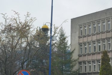 Strażnicy rejestrują przejeżdżających na czerwonym
