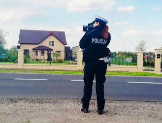 Kierowca bmw uciekał przed policją, bo przekroczył prędkość o 90 km/h