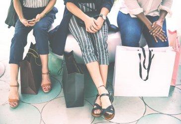 Chcesz kupować markową odzież w niskich cenach? Sprawdź kody rabatowe!