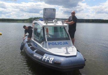 Policyjne patrole na Zalewie Sulejowskim [POSŁUCHAJ RELACJI]
