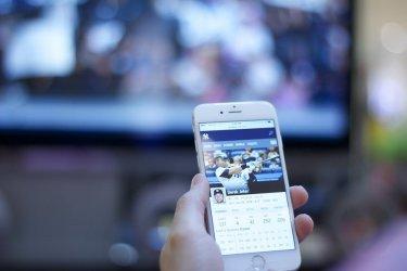 Czy może dorobić sobie na oglądaniu meczy?