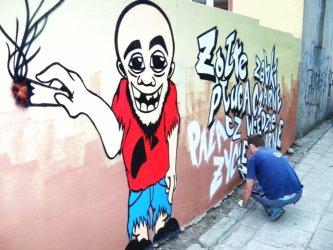Palacz już na murze – grafficiarska akcja studentów