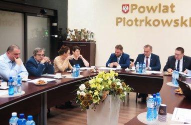 Żółta strefa zagrożenia ASF-em w powiecie piotrkowskim już w poniedziałek?