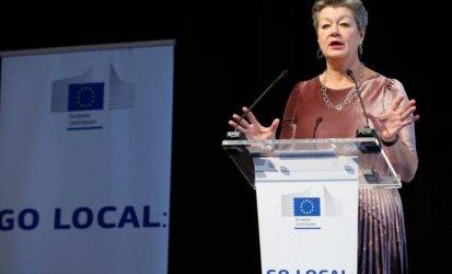 Komisarz Johansson: musimy walczyć z przemytnikami ludzi