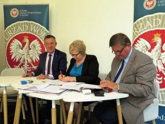 Prawie 30 mln zł dla samorządów ziemi piotrkowskiej