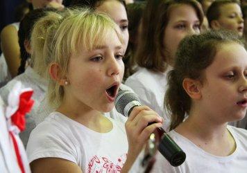 Szkoły świętują 100-lecie niepodległości: SP 16 i SP 2