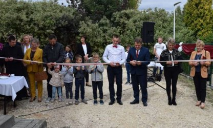 Laski i Ludwików wspólnie świętowały otwarcie placu zabaw