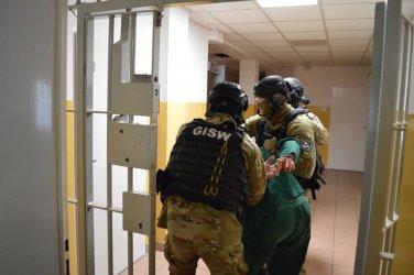Próbowali odbić więźnia z aresztu
