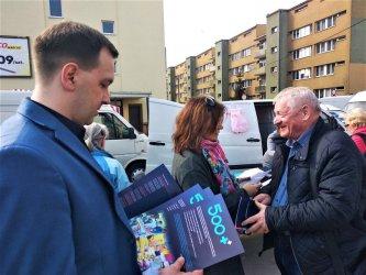 W Piotrkowie promowali Nową Piątkę Prawa i Sprawiedliwości