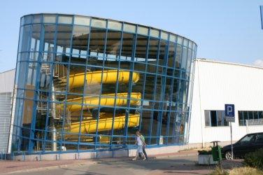 Pływalni przy Belzackiej grozi katastrofa budowlana?
