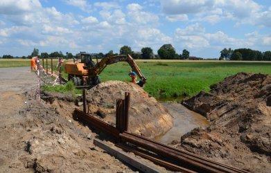 Rozpoczęto budowę mostu na Grabi