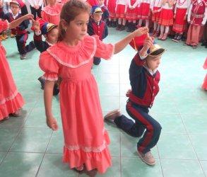 Przedszkolaki wystąpiły przed seniorami