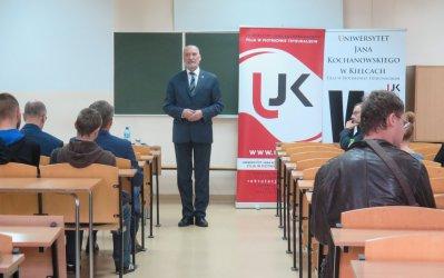 Były minister obrony zachęcał studentów do wstąpienia do Legii Akademickiej