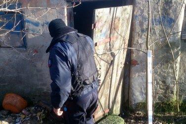Bezdomni pod opieką policji i pracowników socjalnych