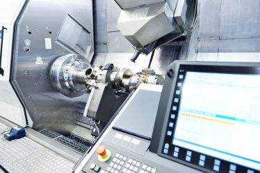 Jak przemysł wykorzystuje obróbkę CNC?